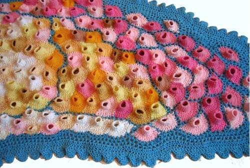 Фото трпипофобии – плетенный шарф