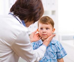 Осмотр лимфатических узлов у ребенка