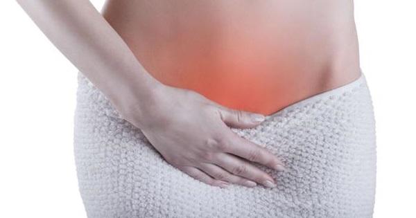 Кислый запах выделений у женщин: без зуда, желтых и белых, причины и лечение