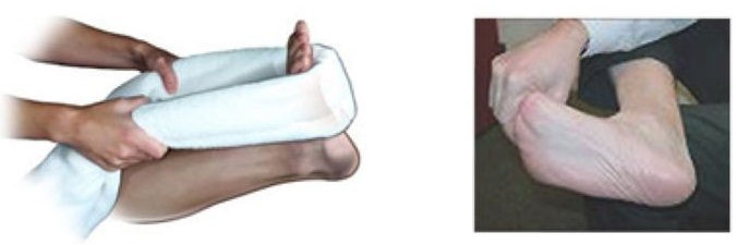 Растяжка фасции полотенцем либо руками