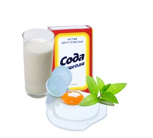 Яичный белок, сода, мята и молоко