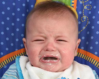 Грудной ребенок с непереносимостью лактозы